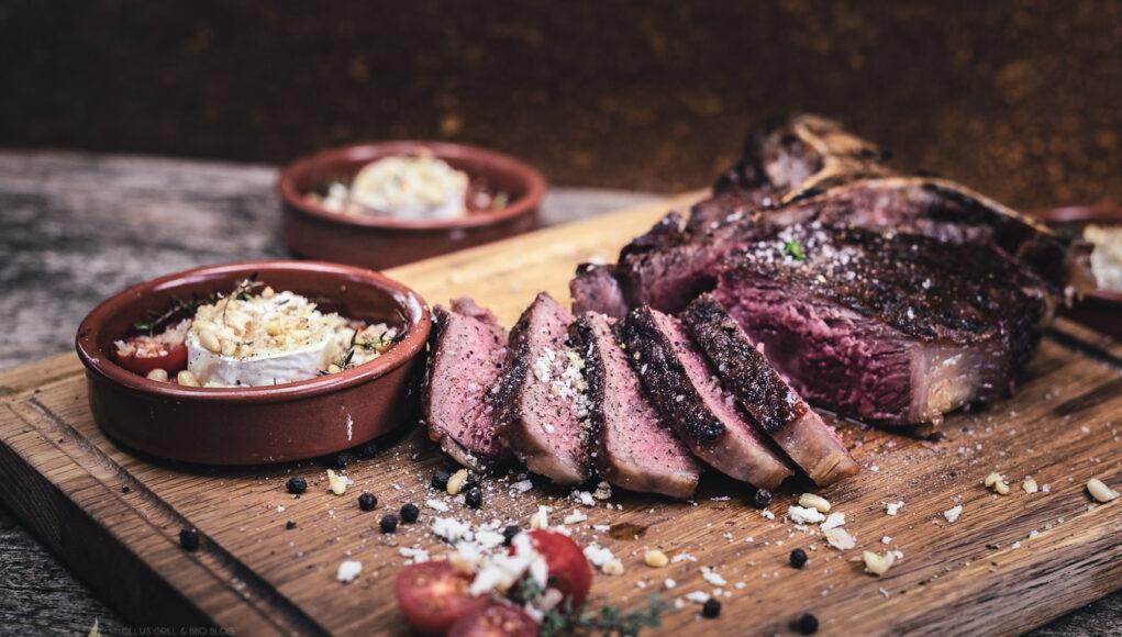 Ziegenkäse gratiniert dry Aged Steak