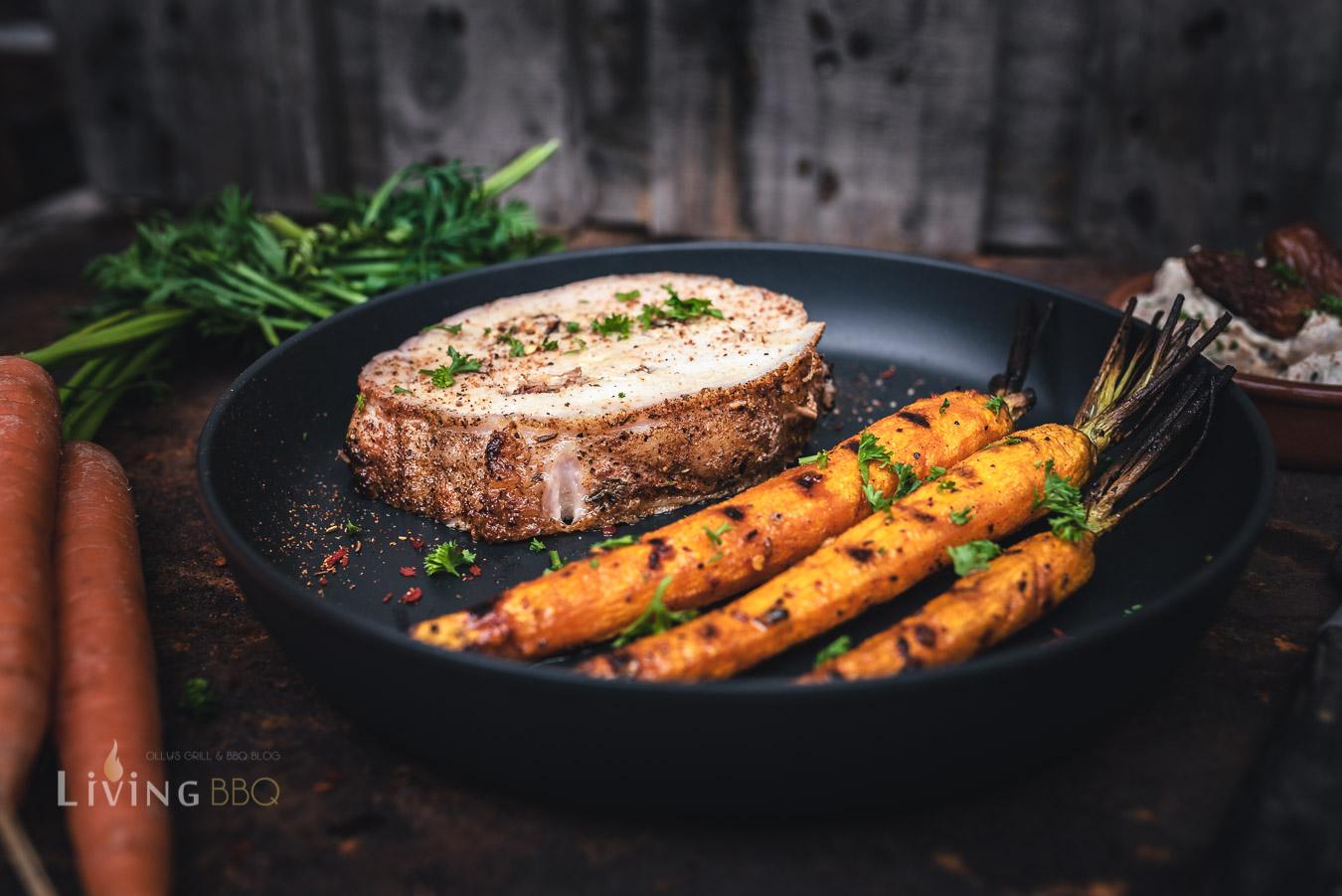 Rollbraten mit karamellisierten Karotten vom Grill