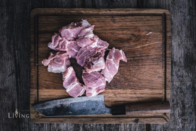 Schweinenacken geschnitten