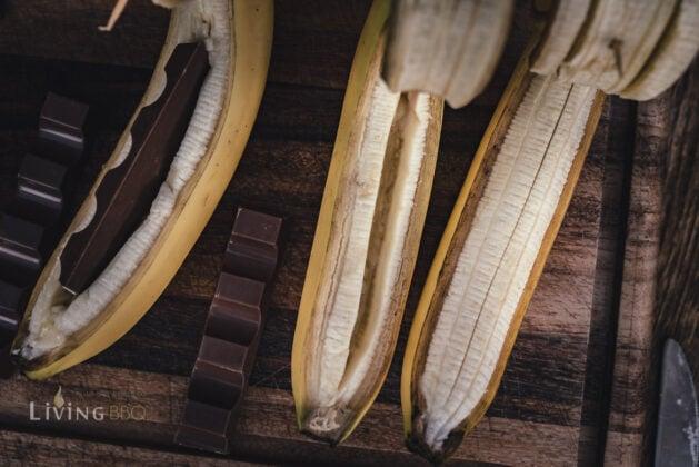 Bananen zum grillen vorbereiten